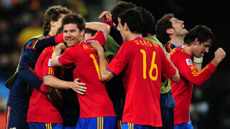 Само четирима от футболистите, спечелили световната титла на Мондиал 2010, няма да са в отбора за Евро 2012