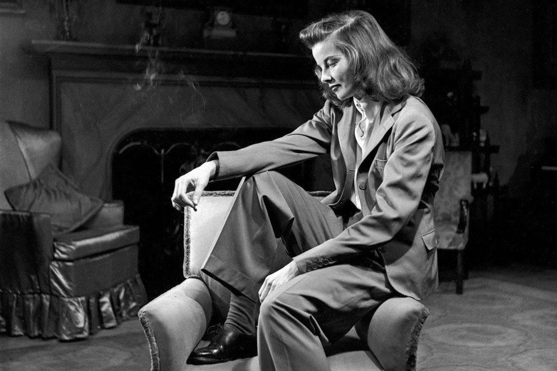 """Катрин Хепбърн е носителка на рекордните четири награди """"Оскар"""" - всички за най-добра актриса. Последната й статуетка е за """"На златното езеро"""" (1981), в който тя си партнира с Хенри Фонда."""