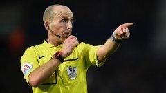 Никой друг съдия не може да се похвали с 500 мача във Висшата лига на Англия