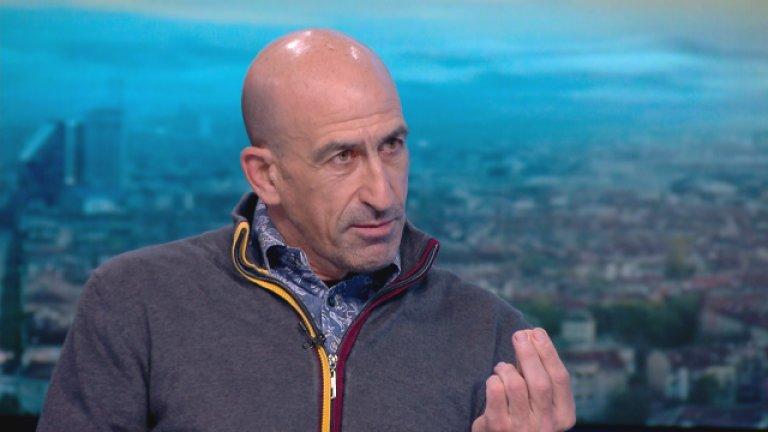 Лечков: Други хора дърпат конците на Бербатов, но трябваше да го подготвят по-добре