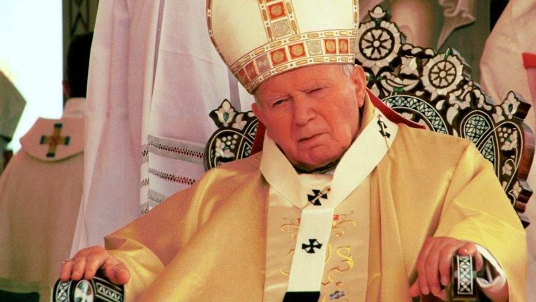 Кремъл е поръчал убийството на папа Йоан Павел II, убеден е той