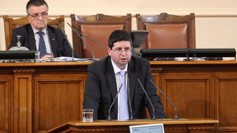 Ако министър-председател бил Станишев, Чобанов нямало да е министър