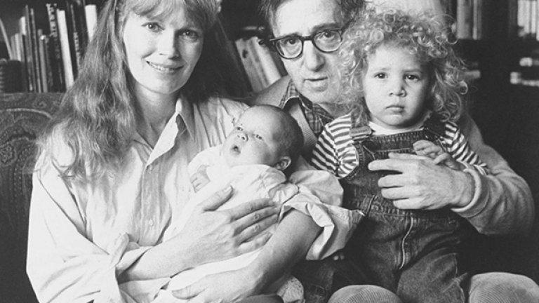 Миа Фароу и Уди Алън с малката Дилън в ръцете на режисьора