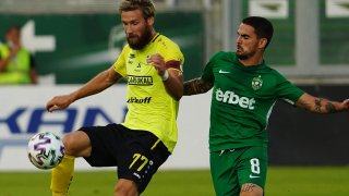 Лудогорец се скъса да пропуска, но започна успешно атаката на Шампионската лига
