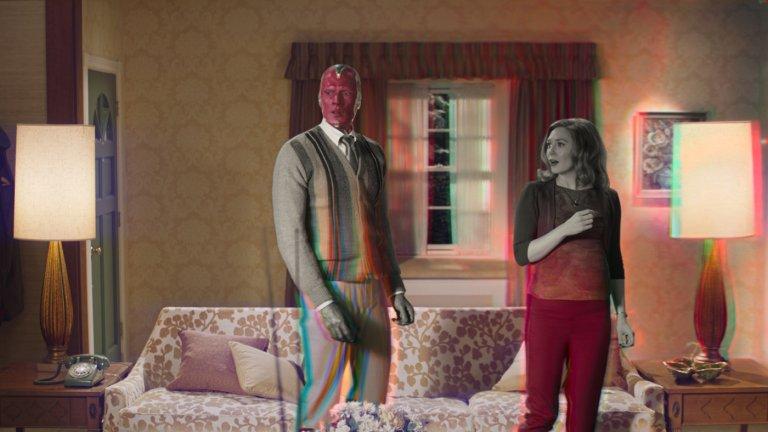 """WandaVision Премиера: 15 януари (сериал в Disney+, продължава до 5 март) Вселена: Филмова вселена на Marvel  Първият сериал на Marvel Studios вече стартира и се фокусира върху Уанда Максимоф, позната и като Алената вещица (Елизабет Олсън), и нейният любим Вижън (Пол Бетани), който уж вече не би трябвало да е сред живите... Оригиналните като визия и сценарий епизоди поставят двамата герои в нова реалност - двамата скачат от ситком в ситком, но е явно, че нещо не е напълно наред. А мистериите, които предстои да бъдат разкрити, ще подготвят почвата за следващия филм за """"Доктор Стрейндж""""."""