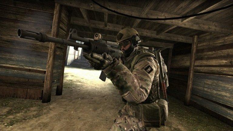 """Counter-Strike: Global Offensive  Counter-Strike: Global Offensive (известна още като CS:GO или CSGO) е най-новата, четвърта част от поредицата Counter-Strike на Valve. Тя излeзe официално на 21 август 2012 г. и е налична за PC, Xbox 360, PlayStation 3, Mac и Linux. Проектирана е така, че да се хареса както на не толкова запалените геймъри, така и на професионалните играчи. Оръжията са балансирани, за да се направи подборът им по–интересен, така че играчите да използват повече оръжия, а не само типичните модели. През декември 2018 г. Valve премина към free-to-play модел, разчитайки на приходи от козметични предмети. Около тях се създаде истинска виртуална икономика, включваща дори залагания. Въпреки възрастта си, през 2018 г. и 2019 г. Counter-Strike: Global Offensive попада в """"платинения"""" списък на най-печелившите игри в Steam."""