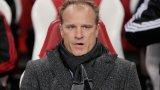 Легендата Бергкамп мечтае за завръщане в Арсенал