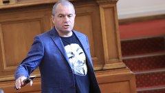 Според него предложението на социалистите за актуализацията на бюджета цели да съкрати живота на този парламент