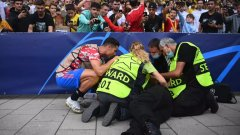 Кристиано се притече на помощ на жена на стадиона в Берн