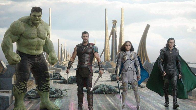 """Как самоиронията """"Тор: Рагнарок"""" ще спечели стотици милиони на Marvel"""
