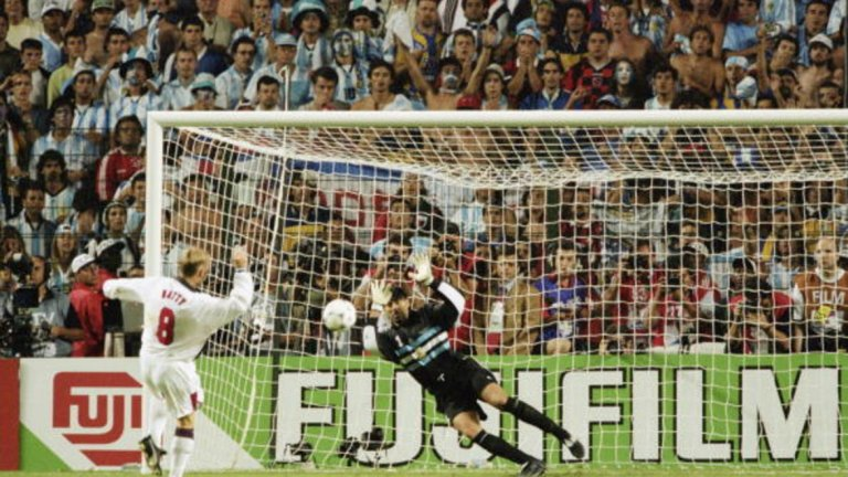 Загуба с 3:4 (2:2 в редовното време) от Аржентина на 1/8-финалите на Мондиал 1998. За Англия пропускат Пол Инс и Дейвид Бейти.