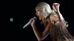 През 2011 г. тя е продала над 1,8 млн. копия от албумите си