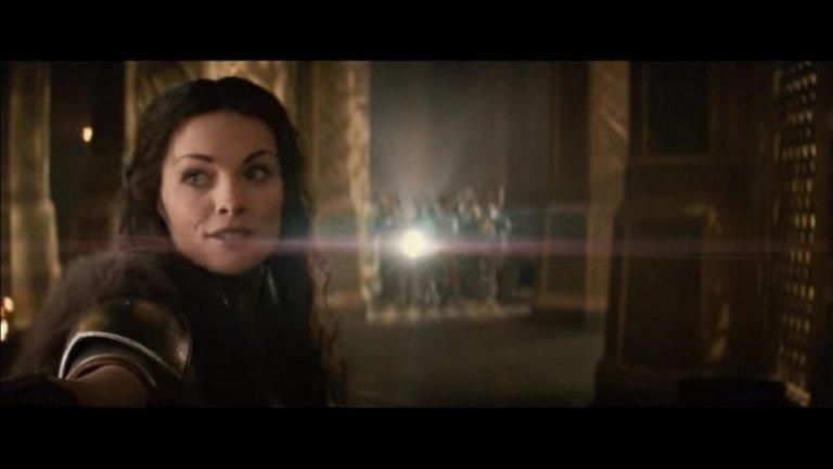 """Филмите на Марвел за Тор  Виждаме Джейми Алекзандър и във филмите на Марвел с Крис Хемсуърт като Тор - в """"Богът на гръмотевиците"""" (Thor от 2011 г.) и """"Светът на мрака"""" (Thor: The Dark World от 2013 г.).   Макар да не е в главната женска роля, тя има запомнящи се сцени като смелата валкирия Сиф."""