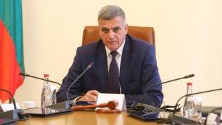Премиерът Стефан Янев помоли медиите за седмица толеранс
