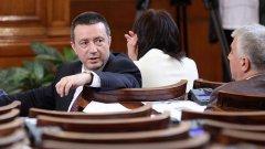 Янаки Стоилов смята, че ако КС уважи жалбата на БСП и АБВ, решението може да спре изтеглянето на остатъка от 8-те милиарда евро
