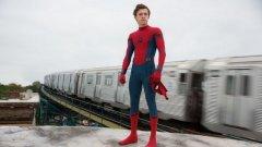 Интерпретацията на Том Холанд в ролята на Питър Паркър беше приета с високо одобрение сред феновете на Marvel