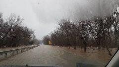 Временно е затворен пътят Ахтопол - Резово заради преливане на река Велека