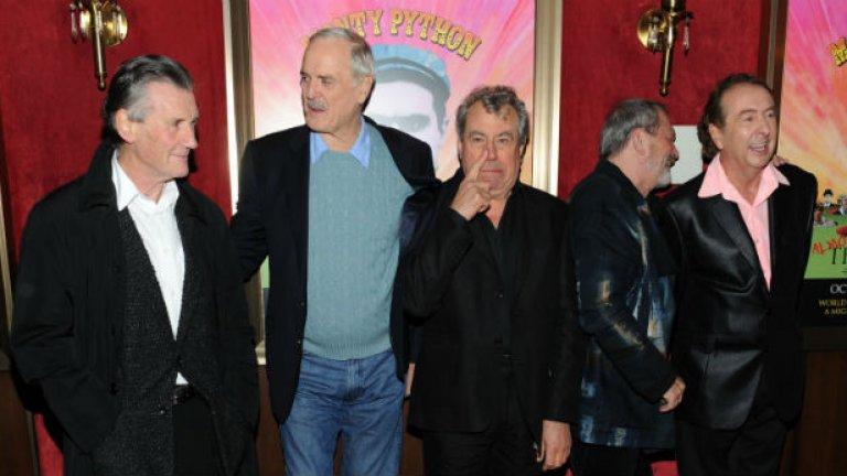 Тери Джоунс (в средата) от Монти Пайтън ще е сред официалните гости на фестивала