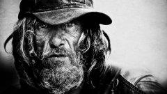 """Спяща бездомница вдъхновява твореца, а след това намира стотици """"модели""""..."""