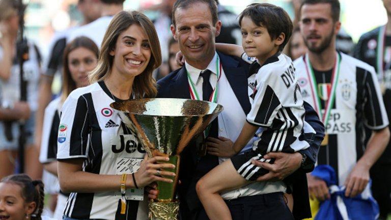 Треньор: Масимилиано Алегри Пет титли на Италия, общо големи 11 трофея и два финала в Шампионска лига. Конте върна на Юве шампионския облик, а Алегри му върна статута на световен топ клуб.