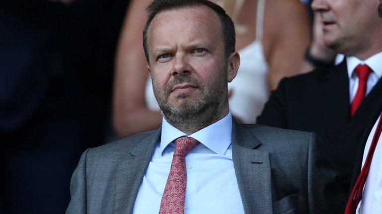 4. Юнайтед остава в добро финансово здраве  Ед Удуърд се проваля вече години наред във футболен аспект, но във финансов върши страхотно работата си. А собствениците са показали, че финансовата част е на първо място за тях. Юнайтед остава сред най-богатите клубове в света, като през последните 5 седмици акциите на клуба даже се повишиха, въпреки резултатите на терена. В такъв момент уволнението на мениджъра е рисков ход, който освен че означава разходи, по никакъв начин не гарантира класиране за Шампионската лига със сегашния лимитиран състав. Най-вероятно ръководството си е направило сметката, че смяна на Солскяер би донесла повече рискове, отколкото сигурни ползи.