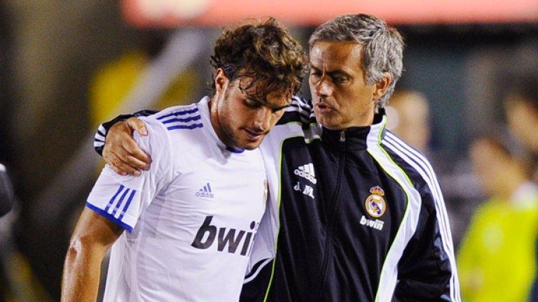 """Педро Леон """"Белите"""" платиха 10 млн. евро на Хетафе за него. Изигра само 14 мача за Реал. В момента е в Ейбар."""