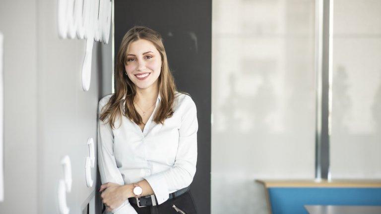 Наталия и приятелят й живеят в Нови Хан, а за по-малко от година и половина в The Stars Group Наталия вече е тийм лидер и управлява екип от десетина души.