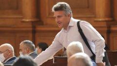 """В свое интервю депутатът от левицата нарича българското население """"инфантилно"""""""