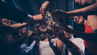 Защо жените са по-склонни към алкохолизъм