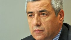 Оливер Иванович беше подсъдим по обвинение, че е наредил убийствата на етнически албанци в Митровица през 1999 г.