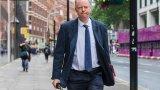 Шегаджии нападнаха главния медицински съветник на Великобритания