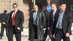 Борисов спря продажбата на имот на военните в Младост