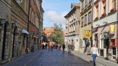 """Полската столица е наситена с история, а новият сериал """"Свят в пламъци"""" по Epic Drama показва именно това"""