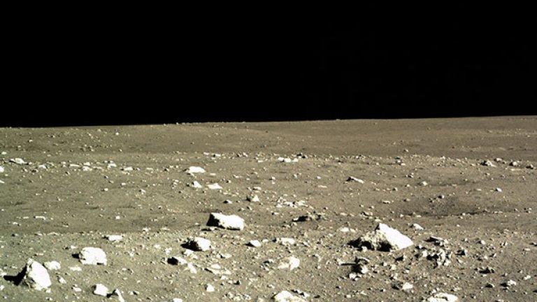 Вероятно ще се целят в ресурсите  Почти постоянната слънчева светлина в някои части на Луната я правят подходяща за събиране на соларна енергия на повърхността, и още по-добре, в орбита. Генерираната енергия може да бъде използвана на Луната или даже насочена обратно към Земята, концепция, разработвана от японски космически учени. А доближаването до жизненоважни минерали като титан и до други лунни ресурси може да се окаже голям бонус, когато в същото време земните ресурси привършват.