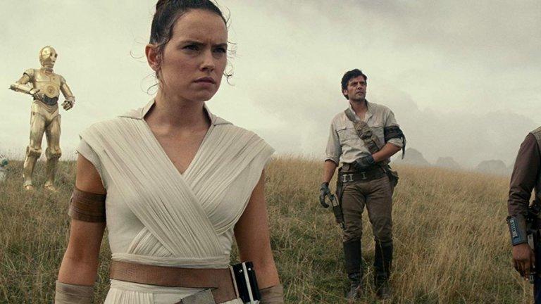 """""""Междузвездин войни: Възходът на Скайуокър"""" (Star Wars: The Rise of Skywalker) на реж. Джей Джей Ейбрамс  Ейбрамс може и да не е сред най-добрите режисьори в Холивуд, но се нарежда сред най-касовите. Нещо повече, той е сред твърдите защитници на снимането на лента и най-скорошният му голям проект - деветият Епизод на """"Междузвездни войни"""", е заснет точно така. Това вероятно не прави щастлив Джордж Лукас, създателят на поредицата, който е защитник на дигиталните технологии в киното (както личи от трилогията предистория)."""