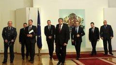 """Кой ще управлява България през ноември? Всъщност правилният въпрос е не """"кой"""", а """"как""""."""