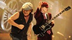 """AC/DC - Have a Drink on Me Има """"пивки"""" групи, но ги има и AC/DC. Песните на тези рок динозаври по принцип отварят глътката, но тази специално е посветена на човешката способност да се наливаш като бездънна яма (и желанието да имаш компания, докато го правиш)."""