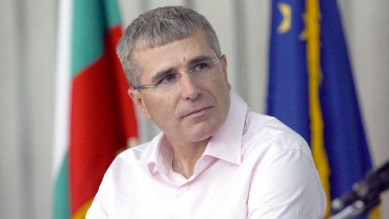 """Бизнесменът Христо Ковачки е прехвърлил фабриката си """"Брикел"""" на офшорка на Сейшелите"""