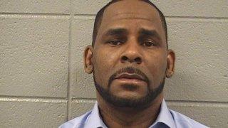 Рапърът, който в средата на юли беше арестуван повторно по нови обвинения за притежание на детска порнография и изнудване, ще отговаря и за случай от 2001 г.