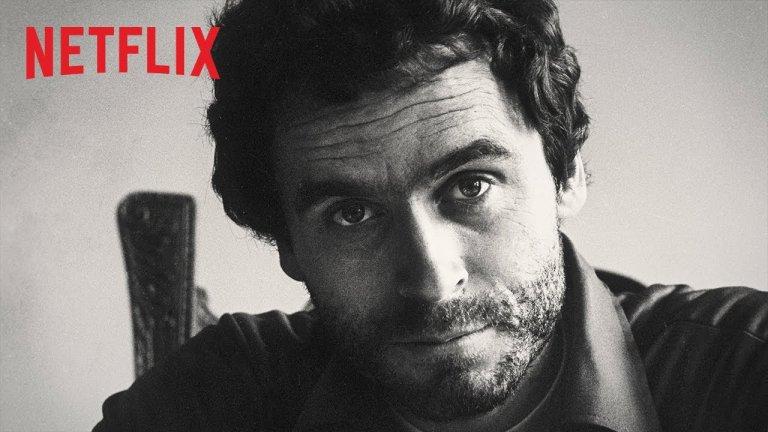 Conversations with a Killer: The Ted Bundy Tapes Тед Бънди безспорно е един от най-известните серийни убийци в историята. Но какво знаем за него. В тази поредица на Netflix са събрани архивни кадри, интервюта с познати и близки на серийния убиец, както и неговите собствени думи - в интервютата със Стивън Мичоу. Всичко това позволява на зрителя да погледне възможно най-пряко в ума на един наистина счупен човек - от детството му, през политическите му амбиции та до убийствата. И това е повече от впечатляващо.