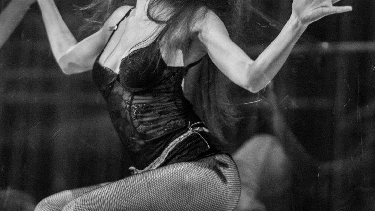 "В ролята на Кенди в спектакъла ""Полет над кукувиче гнездо"" с режисьор Сашо Морфов, снимка : Христо Дачев"