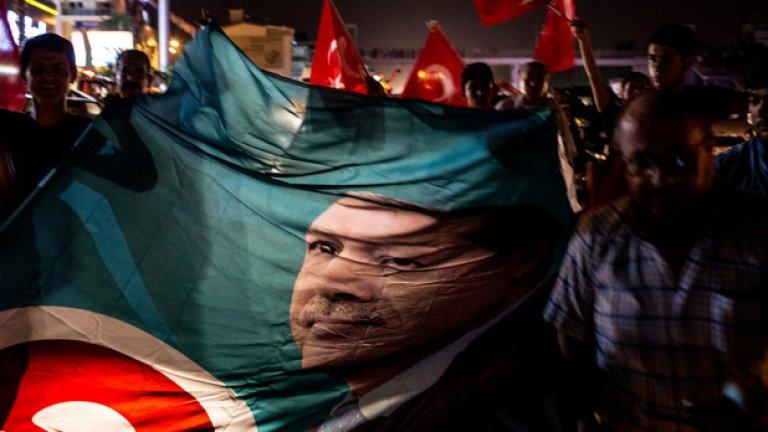 32 000 души са арестувани след осуетения опит за преврат