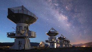 Радиосигнал идва от Космоса, какво обаче представлява той?