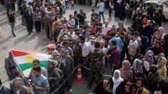 Референдумът започна въпреки заплахите на Турция, Ирак и Иран