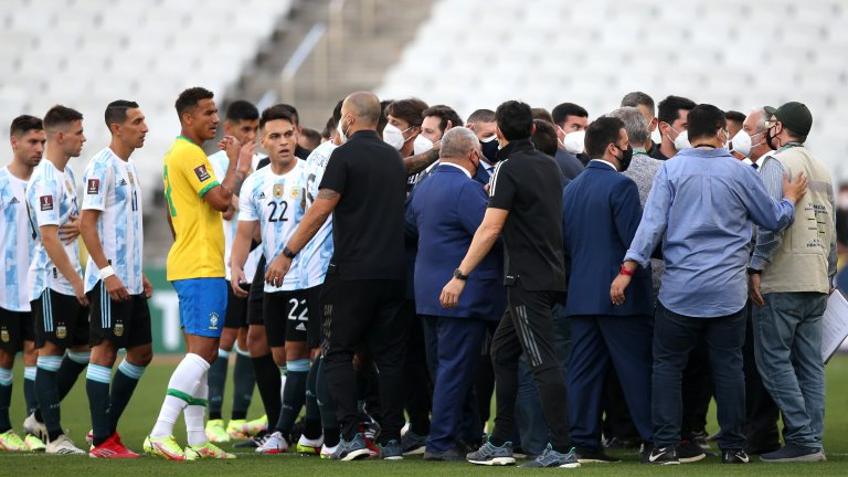 COVID ченгетата спряха дербито Бразилия - Аржентина (видео)