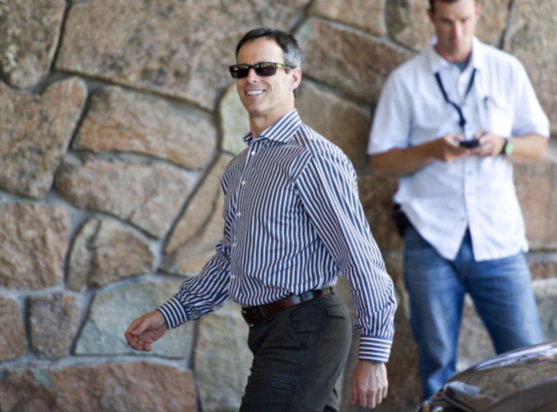 Томас Стагс  Предишна длъжност: Оперативен директор на Disney  Макар да изглеждаше като бъдещия ръководител на Disney, Стагс се оттегли от компанията през април 2016 г. в ход, който шокира развлекателната индустрия. Предвид опита му като висш ръководен кадър на голяма компания, като и оперативния му и финансов опит (в миналото той беше главен финансов директор на Disney), Стагс е едно от първите имена, които се тиражират за нов ръководител на Uber.