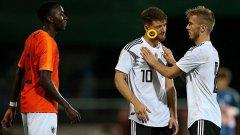 Холандски талант изхвърлен от футбола заради плюнка срещу противник (видео)