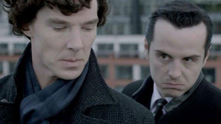 Мориарти, Sherlock Най-важният човек в малкия свят на Шерлок Холмс, освен самия Шерлок и неговият верен другар Джон Уотсън, е най-големият враг и ум в престъпния свят на Лондон в края на XIX и началото на XX век - д-р Джим Мориарти. Немезидата на Шерлок го мами, лъже и заблуждава в продължение на два разказа и един роман, след които двамата имат финален сблъсък, който свършва фатално.  Това е начинът, по който Артър Конан Дойл решава да се отърве от емблематичния си герой, но не успява. Почитателите на детектива са толкова много, че той бива принуден да го върне. Сблъсъкът на Шерлок с Мориарти при Райхенбахските водопади обаче си остава емблематичен трик в репертоара на детектива.