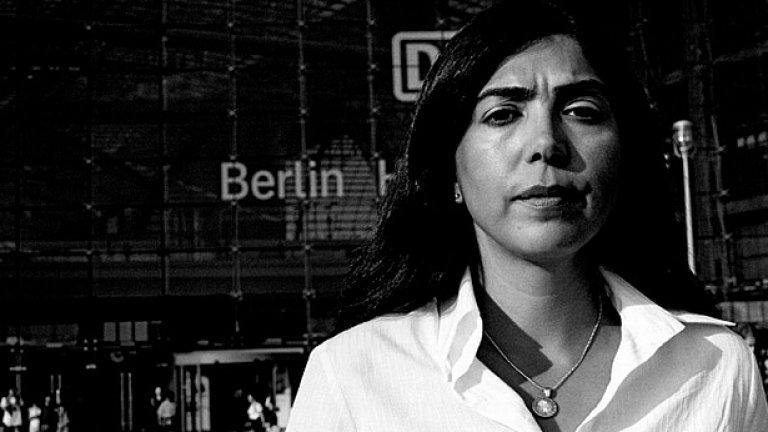 Юристката от турски произход Айгюл Йозкан поема социалните грижи и интеграцията в кабинета на федерална провинция Долна Саксония