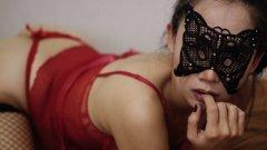 Когато шоуто се пренесе в интернет: Как сексклуб организира видео оргия